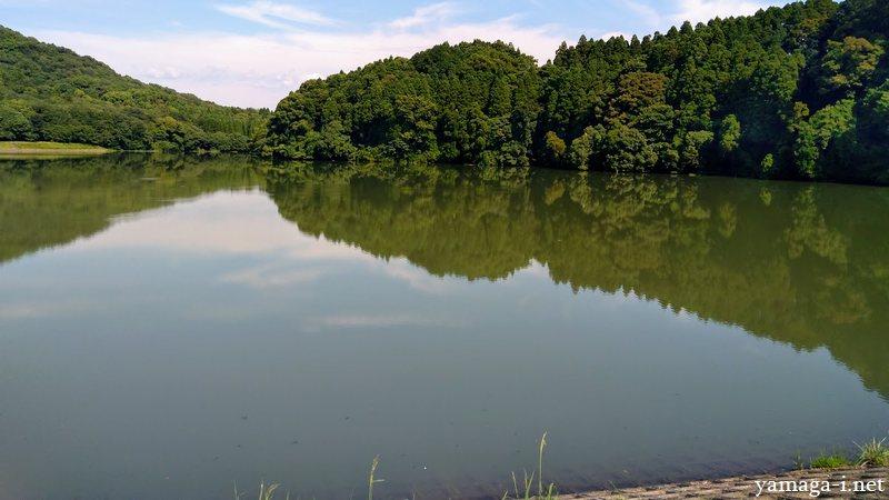 湯の口溜池 附遠山神社